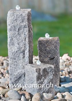 Steinbrunnen-Set mit 3 Säulen und LED