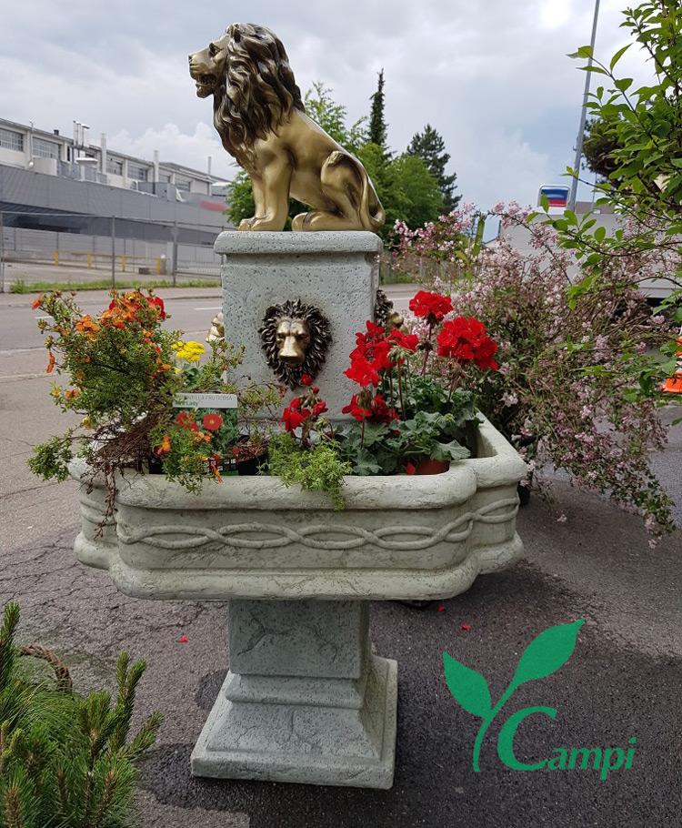 Gartenbrunnen mit Löwe und  4 Speiern
