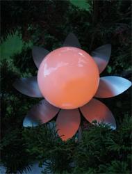 Solarblume mit Edelstahlblätterkranz D=31 cm LED gelb